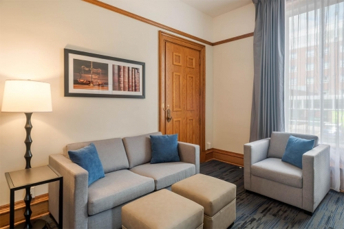 Crown King Suite - Courthouse Hotel - Thunder Bay, Ontario, Canada - View 2