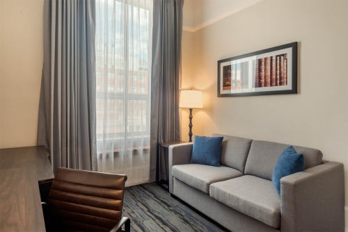 Crown Queen Suite - Courthouse Hotel - Thunder Bay, Ontario, Canada - View 2