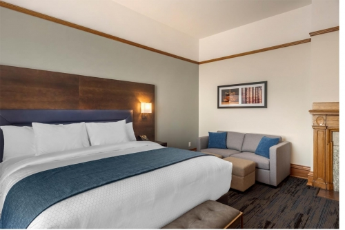 Supreme Harbourview King - Courthouse Hotel - Thunder Bay, Ontario, Canada - View 7